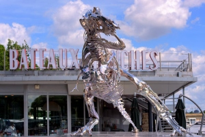 philippe-pasquas-life-size-t-rex-is-invading-paris-2