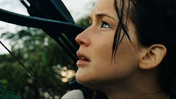 Video Reviews of 'The Hunger Games: Catching Fire,' 'Philomena' and 'Is the Man Who Is Tall Happy?'