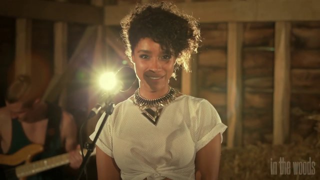 'Twice' (Little Dragon Cover) – Lianne La Havas // In The Woods Barn Sessions 2013